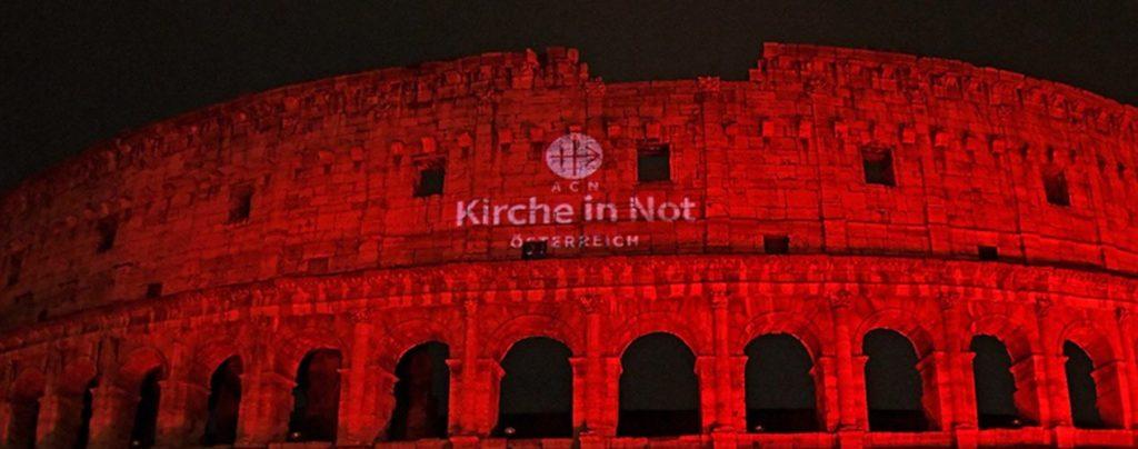 "Kolosseum erstrahlt im ""Rot der Märtyrer"""