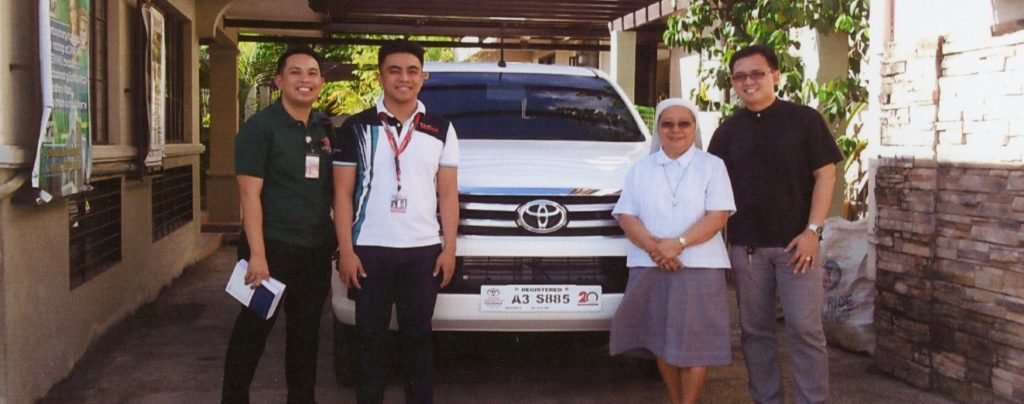 Ein Auto für die Seelsorge auf der Insel Mindoro auf den Philippinen