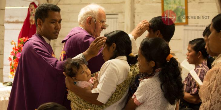 Aschermittwoch-Gottesdienst in Indonesien (Foto: KIRCHE IN NOT/Magdalena Wolnik).