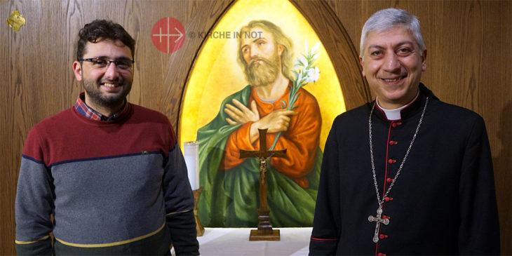 Fadi Mora (links) und Bischof Joseph Tobji.
