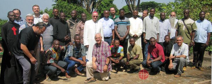 Gruppenfoto der Teilnehmer.