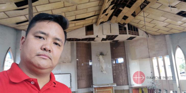 Jonathan Luciano, der Direktor des philippinischen Büros von KIRCHE IN NOT, hat die Kathedrale von Jolo kurz nach dem Anschlag besucht.