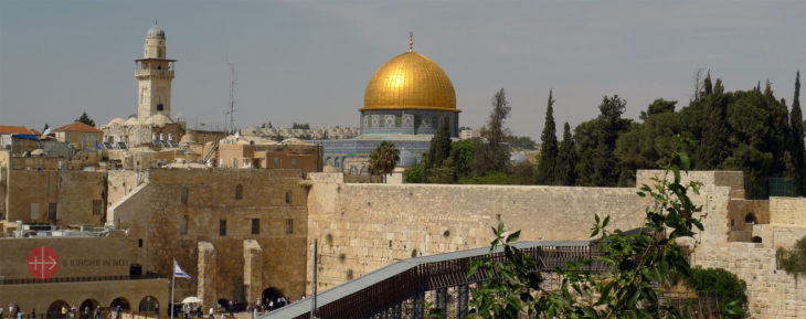 Klagemauer und Felsendom in Jerusalem.