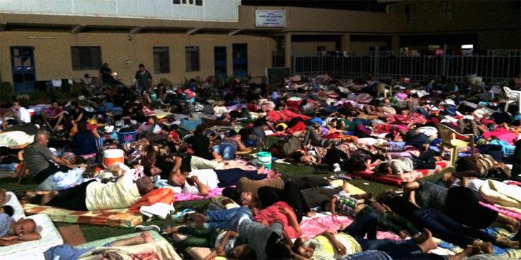 August 2014: Tausende geflüchtete Menschen kampieren unter freiem Himmel in Erbil (Foto: ankawa.com).