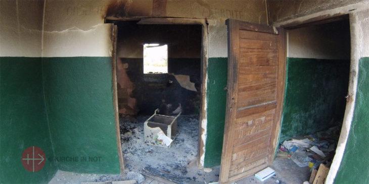 Nach einem Séléka-Angriff auf eine Krankenstation (Foto: Pater Aurelio Gazzera/KIRCHE IN NOT).
