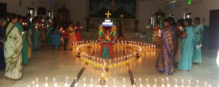 Rosenkranzgebet in Indien.