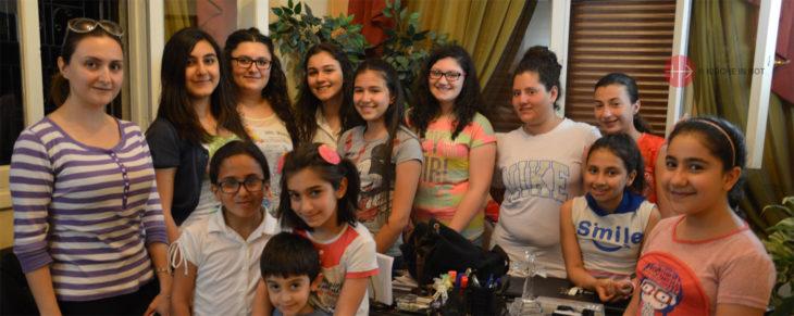 Teilnehmer eines Sommercamps in Syrien.