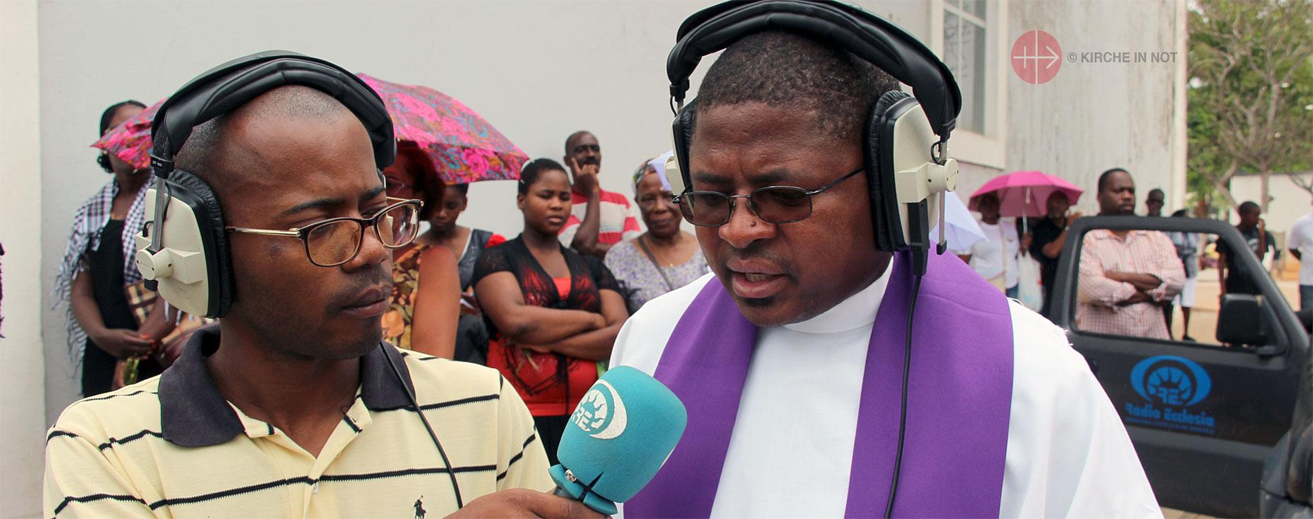 Radio in Angola