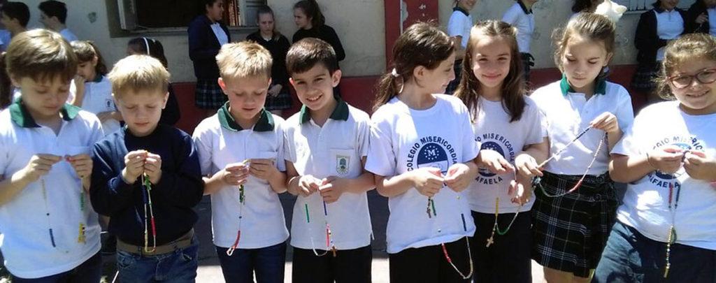 Radio Horeb unterstützt Kinder-Rosenkranzaktion von KIRCHE IN NOT