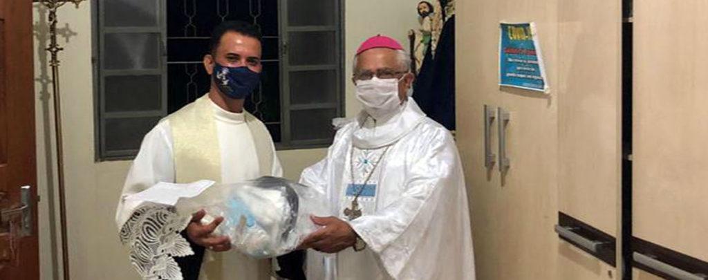 Brasilien: Hygieneschutz für Priester