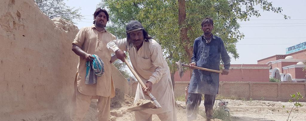 Pakistan: Bau einer Schutzmauer um eine Kirche