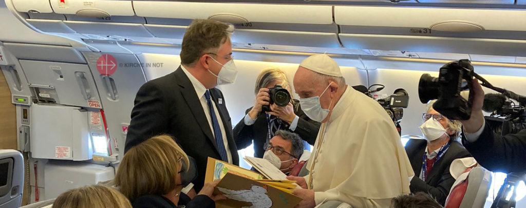 Papstreise in den Irak: Franziskus erhielt Dokumente über das Leid von Christen und Jesiden