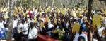 Jugendkatechismus YOUCAT auf Suaheli verteilt