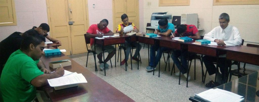 Kuba: Ausbildungshilfe für Seminaristen
